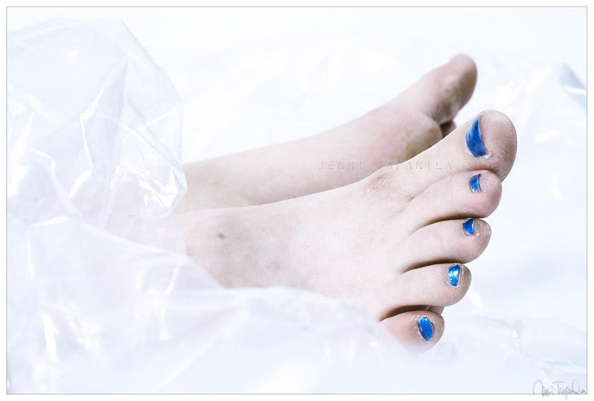 a_blue_day_by_suzi9mm.jpg